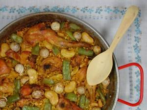 Saborea el arroz en el entorno de la Albufera de Valencia arroceando
